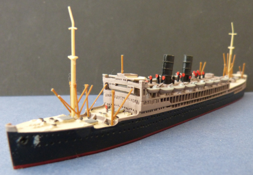 Colonia Modell des Dampfers Viceroy of India - Peninsula & Oriental Steam Navigation Co. , 1:1250 !